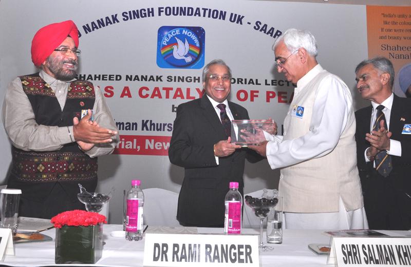 Rami Ji Presenting Award